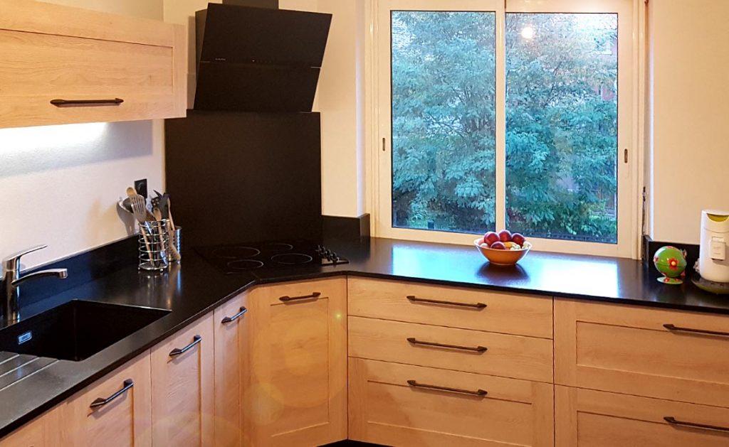 Cuisine plan de travail en granit noir à Rodez (12)
