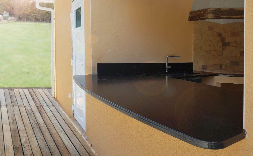 Cuisine d'été - marbre noir à Millau (12)
